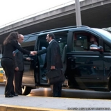 valor de locar mini van blindada com motorista Hotel Four seasons